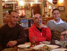 אהרוני במסעדת תשרין (יח``צ:  יחסי ציבור )